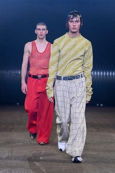 Marni Fall 2020 Menswear Fashion Show - Vogue Live Fashion, Fashion 2020, Runway Fashion, Fashion Show, Mens Fashion, Fashion Outfits, Fashion Design, Fashion Trends, Milan Fashion