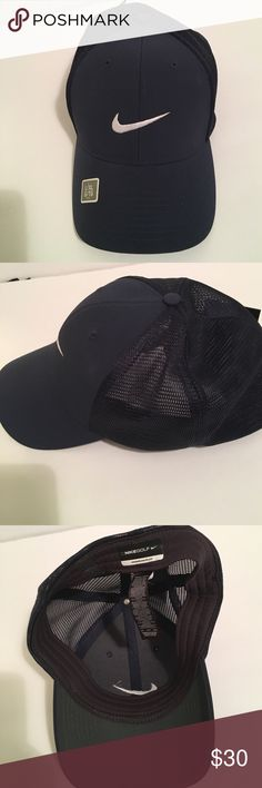 ⛳️💕NIKE GOLF HAT Navy Hat , Venting Material On Back Portion , NWT 💕💕 NIKE Accessories Hats