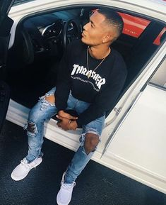 Thrasher Shirt And Ripped Jeans Swag Outfits Men, Stylish Mens Outfits, Dope Outfits, Urban Fashion, Mens Fashion, Fashion Guide, Teen Boy Fashion, Street Fashion, Moda Blog