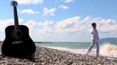 Клип на песню Дороги любви. В клипе поет Андрей Бриг. Режиссер и автор музыки и слов. Ирина Шипилова. Слушайте песни альбома на сайте: maestroru.ru