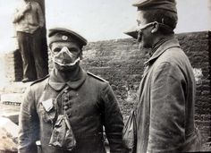 WW1, Bavarian infantry with gasmask, 21 Sept 1915.
