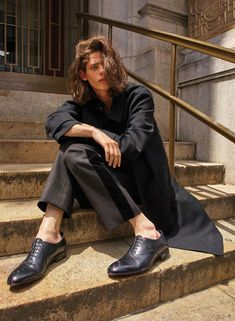Model Erin Mommsen is styled by Karen Kaiser in 'Fresh Perspectives', lensed by Matthew Kristall for WSJ Magazine September Hair by Kayla MiChele; Pretty People, Beautiful People, Erin Mommsen, Minimal Fashion, Pose Reference, Editorial Photography, Character Inspiration, Male Models, Editorial Fashion