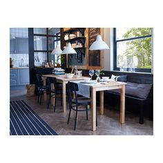 IDOLF Chaise IKEA Confort accru grâce au dossier conçu pour épouser les formes du corps.