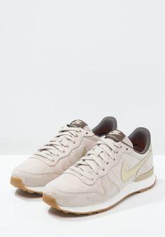Nike Sportswear INTERNATIONALIST PREMIUM - Sneakers laag - string/metallic gold grain/dark storm - Zalando.nl