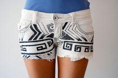 Short de jean pintado con tribales