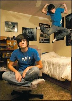 THIS PICTURE OF FETUS SMOSH MAKES ME SO HAPPY (anthony is wearing the first ever smosh shirt!!!)