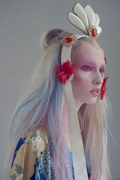 Headdress - beauty editorial by susanne spiel Foto Fashion, Fashion Art, Beauty Editorial, Editorial Fashion, Editorial Hair, Editorial Photography, Fashion Photography, Foto Art, Headgear