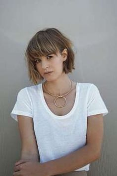 Achin-length bob with fringe.This sharp bob gets a lived-in feel thanks to an even length and imperf... - Photo: Courtesy of Spoke & Weal.