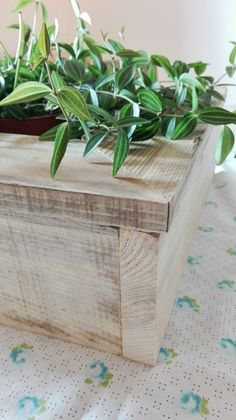 Flowerpot, wooden, pot, pallet planter, reclaimed wood, recycle, decoration