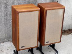 I've had many Advents in woodgrain 'utility' cabinets, but never a real wood veneer pair. The sound is wonderful, as always, but they look ...