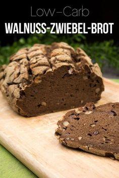 Das Walnuss-Zwiebel-Brot ist low-carb und glutenfrei. Es schmeckt am besten zu deftigem Belag.