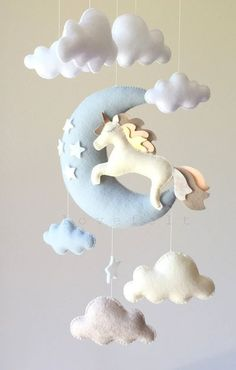 Movable baby moon mobile Unicorn mobile moon by lovefeltmobiles . Baby Crafts, Felt Crafts, Diy And Crafts, Baby Room Decor, Nursery Decor, Nursery Crib, Unicorn Mobile, Diy Bebe, Felt Mobile