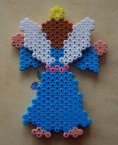 Christmas Angel hama perler beads (hexagonal pegboard) 2/2 by perleshamanews - Pattern: http://www.pinterest.com/pin/374291419005783955/