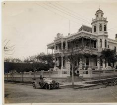 Private residence in Vedado, Havana, Cuba :: The Manuel R. Bustamante Photograph Collection 1916