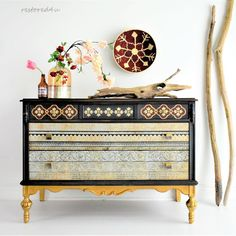 I think that's described the style of this piece just perfectly😊 I love how this Prim and Trim transfer from complete the look❤️❤️ Available! Diy Furniture Easy, Diy Furniture Projects, Vintage Furniture, Painted Furniture, Boho Diy, Boho Decor, Tribal Bedroom, Patterned Furniture, Iron Orchid Designs