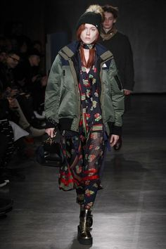 View the full Sacai Fall 2017 menswear collection.