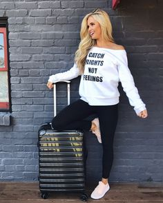 Travel outfit and luggage set || Nashville blogger Instagram @SheaLeighMills