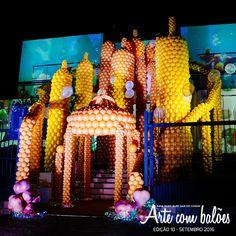 Decoração de fachada em balões, por Claudio Rocha (Natal/RN). Veja mais em www.revistaartecombalões.com.br