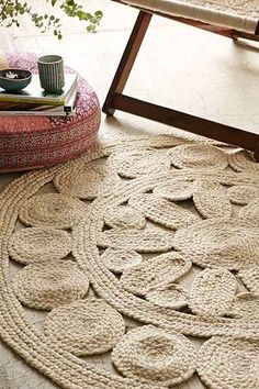 Plum & Bow Flora Braided Jute Round Rug - Urban Outfitters