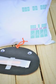 DÍA DE LA MADRE 2015  Es su día … Devolvele dulzura, devolvele amor  instagram.com/holakupa  Bolsa amorosa golosa // caja de delicias de Lul-ú- dentro de una bolsa de tela impresa para ella + un PLANTÍN para empezar con esa huerta + almohadóncito de tela / 25x30 cm. OPCIONAL: pizarra + tiza // $35  Reserva x mail a: holakupa@gmail.com  https://www.facebook.com/media/set/?set=a.516297828528543.1073741877.221967357961593&type=3