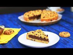 Cookie géant au chocolat in 2020 Cookie Au Nutella, Chocolate Chip Cookie Pie, White Chocolate Cake, Giant Chocolate, Cookies Et Biscuits, Cake Cookies, Riesen Cookies, Cookie Pizza, Nutella Cookies