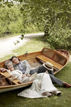 Bride and groom in a row boat. #wedding boat << repinned by BoatsforsaleUK, follow us on Twitter @Cindy Burks for Sale UK for news & updates