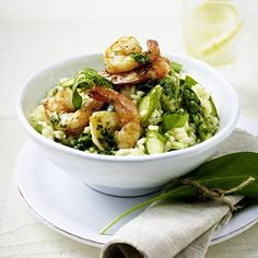 Wild garlic and asparagus risotto with shrimp recipe DELICIOUS - The recipe for wild garlic and asparagus risotto with shrimp and other free recipes LECKER. Risotto Recipes, Shrimp Recipes, Healthy Dinner Recipes, Cooking Recipes, Lamb Stew, Wild Garlic, Healthiest Seafood, Seafood Salad, Evening Meals