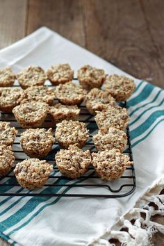 Vegan Aussie Bites - A cross between a granola bar and a mini muffin. Easy, nutritious, and so delicious! Freezer-friendly too. Gluten Free Recipes, Vegan Recipes, Snack Recipes, Cooking Recipes, Alkaline Recipes, Meatless Recipes, Vegan Meals, Brunch Recipes, Vegan Food