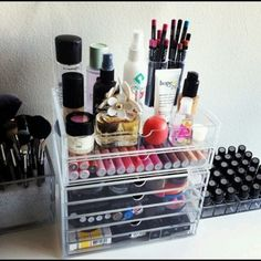 8 Ways To Organize Your Beauty Products | theglitterguide.com