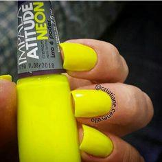 """Apaixonada nesse amarelo  Esmalte Atitude Neon """"Isso é Poder"""" @mundial_impala (Presente do maridão) #QueroMaisImpala"""