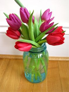 Tulips...my favorite flower! I love this simple arrangement in a mason jar!