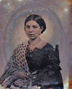 vintage everyday: 40 Eerie Portraits of Women in Mourning Dress from the Victorian Era