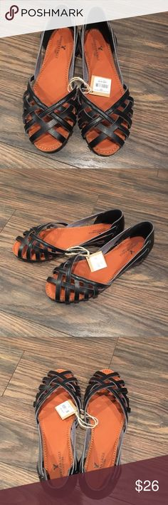 NWT American Eagle Sandals Never worn flat sandal. American Eagle Outfitters Shoes Flats & Loafers