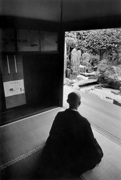 Zen monk meditation, Kyoto, Japan, 1961 by Rene Burri Zen Meditation, Samurai, Buddha, Buddhist Monk, Aikido, Magnum Photos, Japanese Culture, Martial Arts, Religion