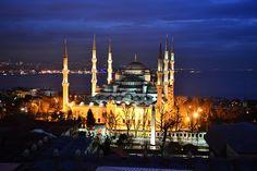 Conociendo Turquía y su historia - http://www.turistasenviaje.com/conociendo-turquia-y-su-historia/ Cuando hablamos de hacer turismo en Turquía definitivamente hay que recomendar Estambul para visitar y es que el lugar es simplemente impresionante con su historia, su arquitectura, contrastes y un paisaje que simplemente te sorprenderá de manera increíble apenas llegas al lugar.  Pero todo esto ...