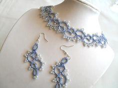 Parure :collier, boucles d'oreille couleur bleu : Parure par carmentatting