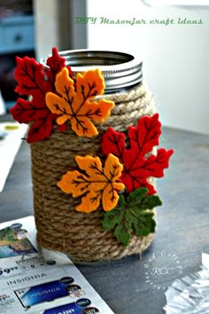 8 Mason Jar Craft Ideas for Autumn, Thrift store crafts, Diy Home Crafts, Diy Arts And Crafts, Jar Crafts, Bottle Crafts, Family Crafts, Fall Mason Jars, Mason Jar Gifts, Mason Jar Diy, Crafts With Glass Jars