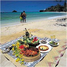 Romantic Picnic Ideas, Romantic Picnic, Couple Beach Picnic, Romantic Picnic Basket Wine Hotel