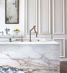 Kitchen inspiration. It all about the marble! Like artwork - a beautiful natural living material. By @blakesldn featured in @ekbbmag . . #kitchendesign #london #kitchen #nottinghill #esentialkitchenbathroombedroom #ekbb #2016  #inspiration #Interiordesign #luxury #interior #interiorstyle #style #bespoke #interiors #design #London #home #homeware #homedecor #luxurystyle #luxurydecor #decor #decoration #interiorstyle #interiordecoration #interiordecor #saturday