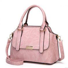 Shoulder Bags For School, Large Shoulder Bags, Black Shoulder Bag, Leather Shoulder Bag, Fashion Handbags, Fashion Bags, Prada Handbags, Teen Fashion, Fashion Ideas