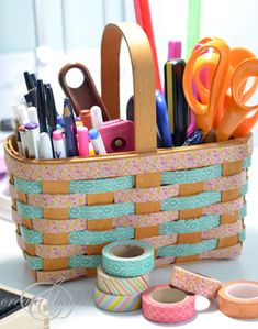 Jeanie was just like so many of us and ordered some washi tape without knowing what to do with it. She laid it on her desk, in front of a plain basket, and it immediately came to her. Washi tape that basket! Washi Tape Uses, Washi Tape Crafts, Duct Tape, Masking Tape, Paper Crafts, Washi Tapes, Diy And Crafts Sewing, Diy Crafts, Simple Crafts