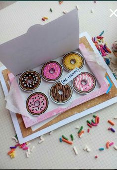 Card Lawn Fawn Donut Worry - Box of donuts, be happy card Pop Up Cards, Cute Cards, Diy Cards, Handmade Birthday Cards, Diy Birthday, Birthday Makeup, 20th Birthday, Birthday Board, Birthday Gifts