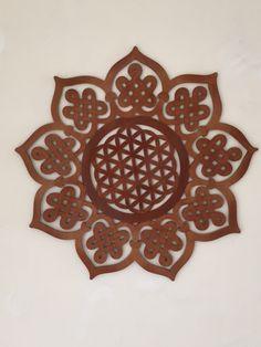 Sacred Geometry.                                         Flor de la vida y nudos celtas. Madera MDF www.luckyzen.net