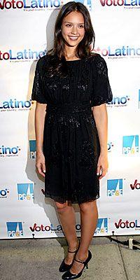Who made Jessica Alba's black dress?