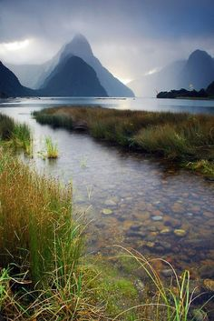Milford Sounds, New Zealand. Lord of the Rings anyone? http://www.thomascook.com/holidays/signature/australia-and-new-zealand/