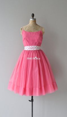 Lovely 1950s Spaghetti Strap Pink Knee Length Prom Dress with polka dots belt - pinkyprom.uk