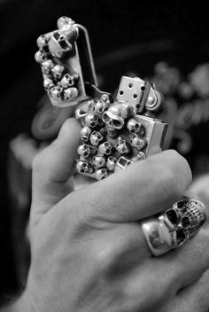 ★ Rock 'n' Roll Style ★ skull lighter...
