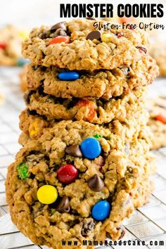 Reese's Peanut Butter Cup Surprise Monster Cookies Recipe - there's a peanut butter cup inside! Peanut Butter Cups, Peanut Butter Oatmeal, Peanut Butter Recipes, Easy Cookie Recipes, Best Dessert Recipes, Brownie Recipes, Real Food Recipes, Köstliche Desserts, Delicious Desserts