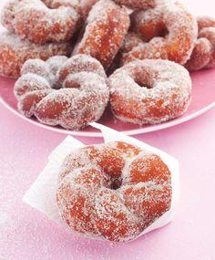 Munkkien paistaminen – ohjeet ja niksit | Maku Finnish Recipes, Cake Recipes, Dessert Recipes, Baked Doughnuts, Sweet Pastries, Aesthetic Food, Sweet And Salty, Sweet Desserts, Christmas Baking