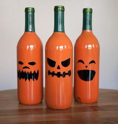 Wine-O-Lantern! Great use for old bottles... or to disguise the cheap wine your serving at your Halloween Party.